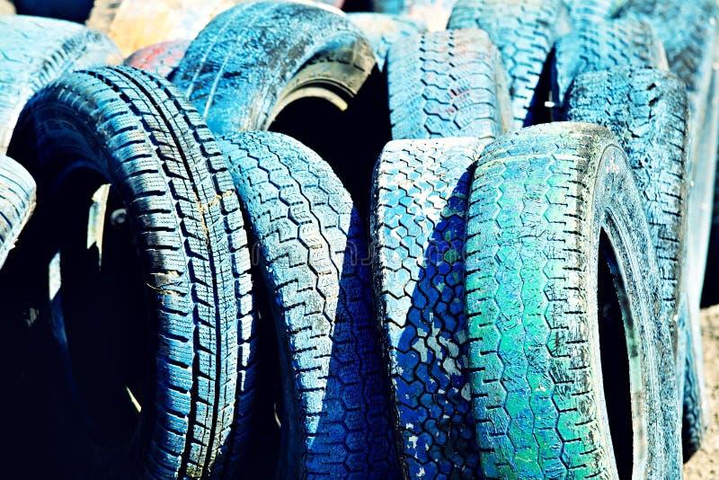 许多蓝色轮胎 免版税库存照片
