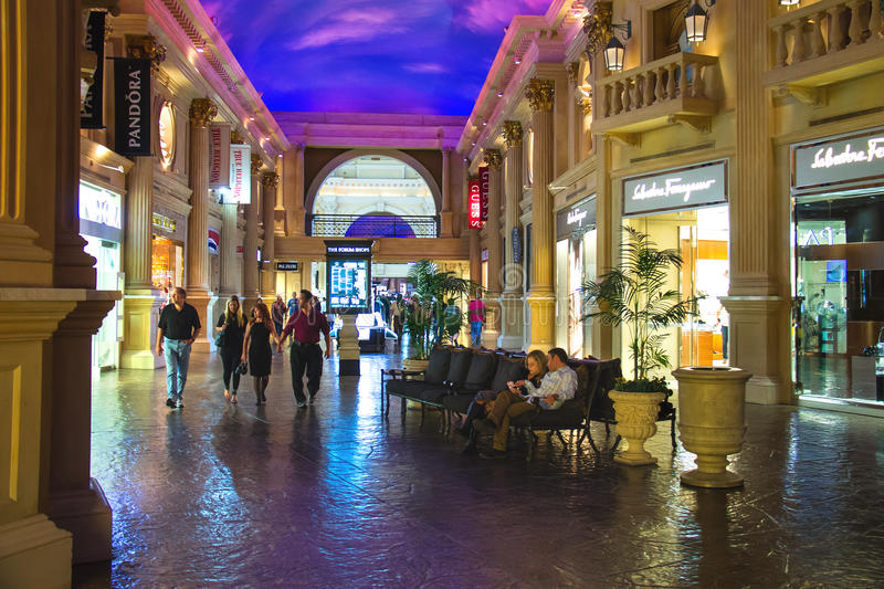 论坛在凯撒宫中购物在拉斯维加斯 库存图片