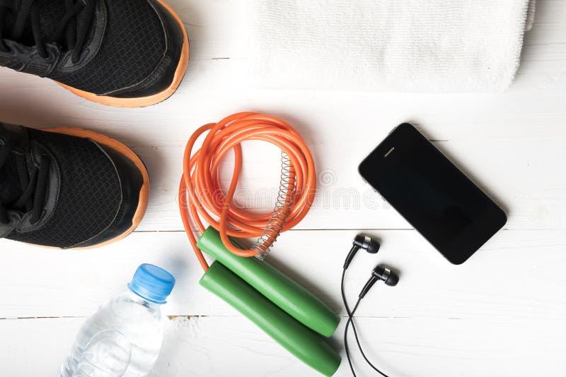 Download 设备健身户外被安置的村庄 库存照片. 图片 包括有 电话, 执行, 现代, 培训, 背包, 移动, 耳机 - 62537748