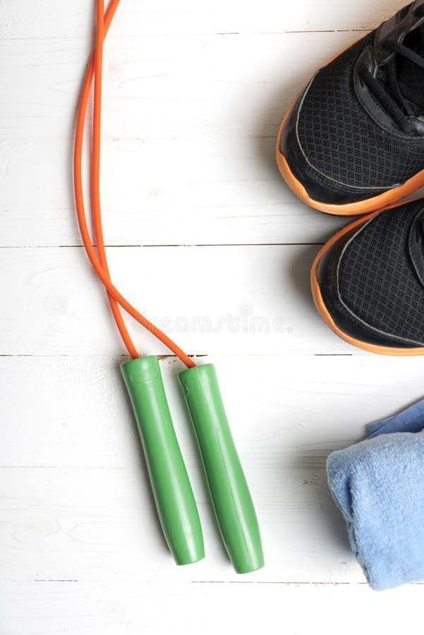 Download 设备健身户外被安置的村庄 库存照片. 图片 包括有 设备, bothy, 鞋子, 绳索, 饮食, 体操, 空白 - 62538802