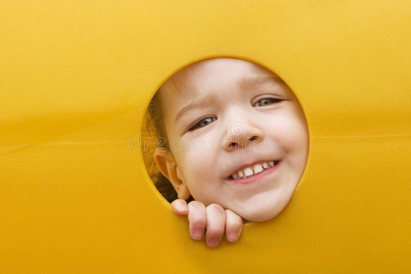 设备表面女孩钻孔一点作用 免版税库存照片