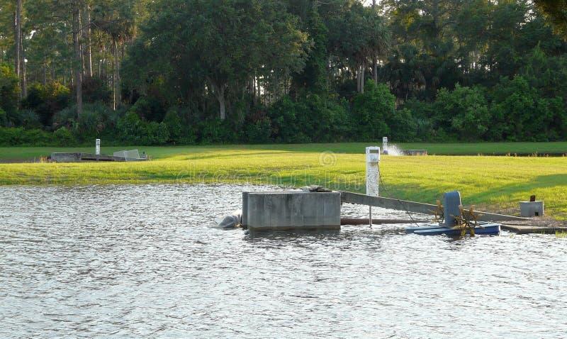 设备鱼孵卵站 库存照片