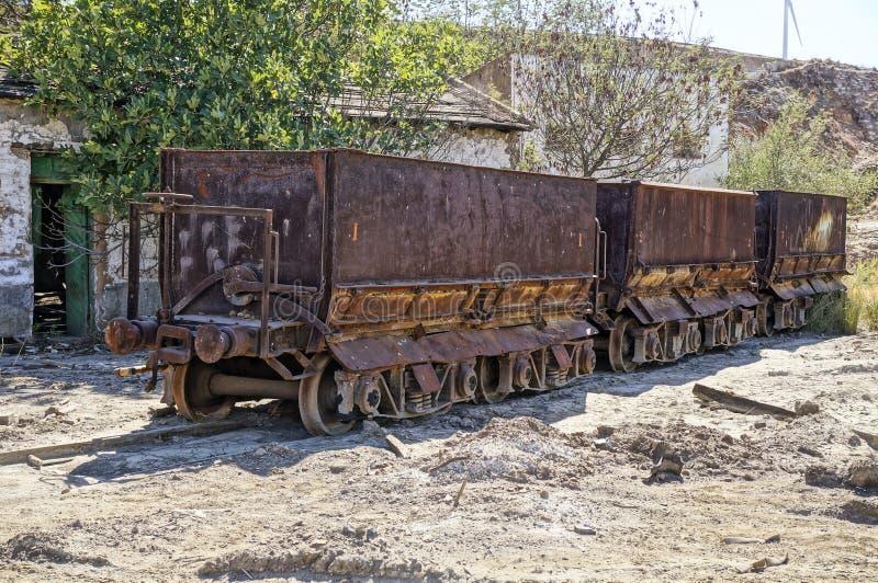 设施运费无盖货车。 库存照片