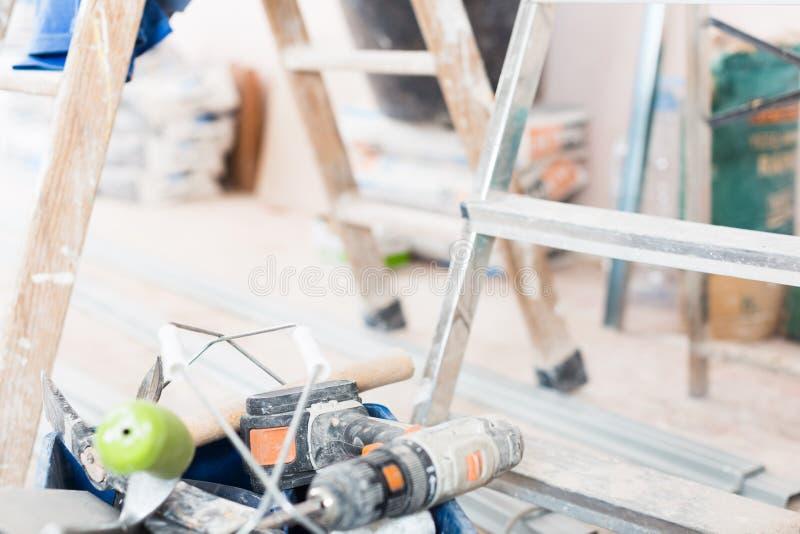 设置为修理前提的建筑工具 免版税图库摄影