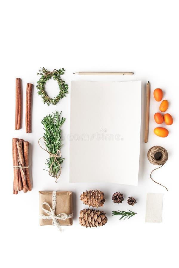 设置创造在白色背景垂直的一张圣诞卡 库存照片