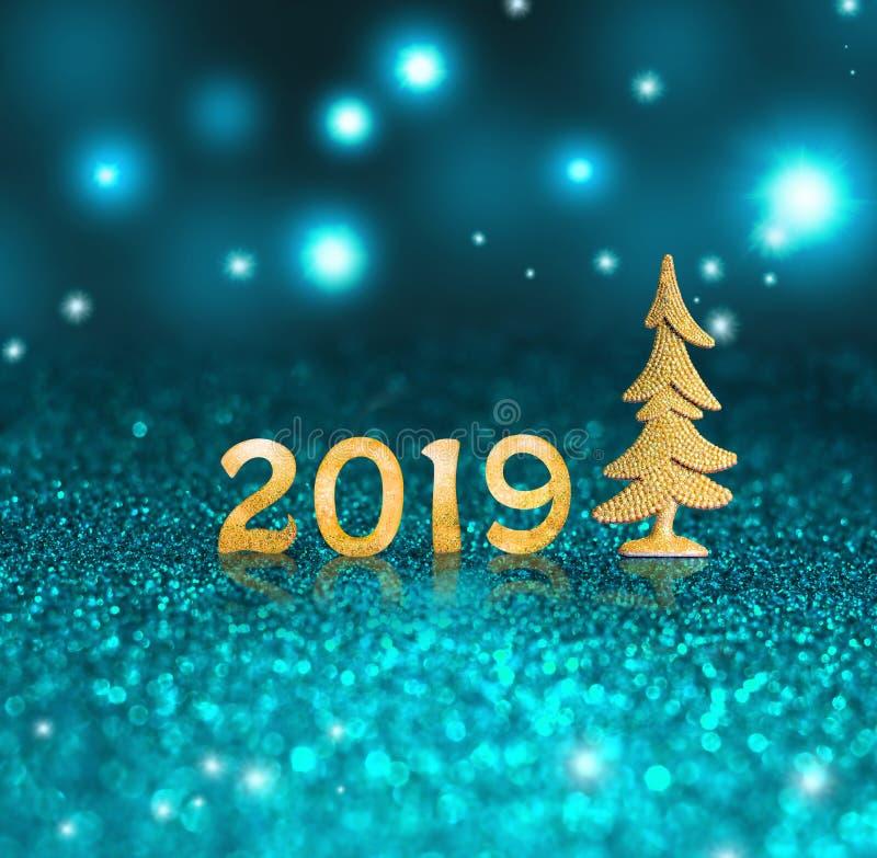 设置在闪烁背景的金发光的数字 新年2019年背景 圣诞节 库存照片