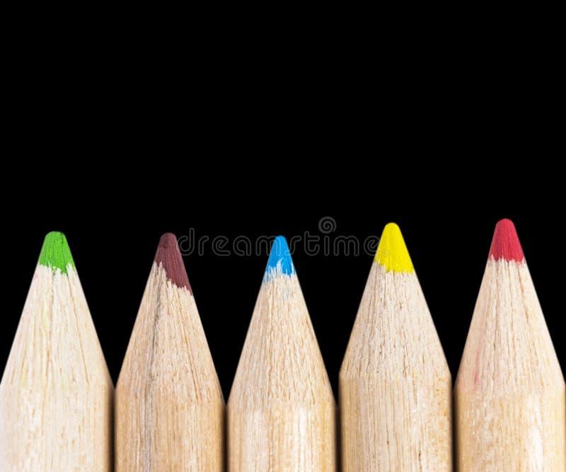 设置在黑背景隔绝的颜色铅笔 多彩多姿的铅笔隔绝了 库存照片