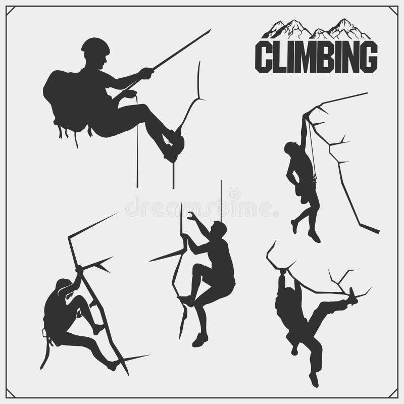 设置登山标签、象征和设计元素 攀岩运动员剪影 皇族释放例证