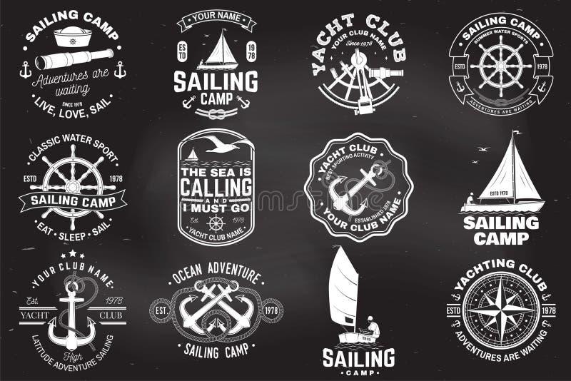 设置航行阵营和游艇俱乐部徽章 ?? E 葡萄酒与黑色的印刷术设计 库存例证