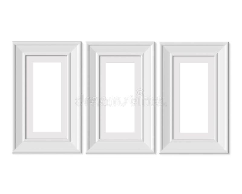 设置3个1x2垂直的画象相框大模型 有宽边界的构筑的席子 Realisitc纸,木或者塑料白色空白 向量例证