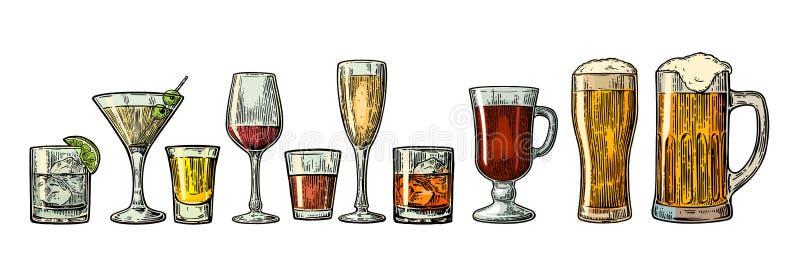 设置玻璃啤酒,威士忌酒,酒,龙舌兰酒,科涅克白兰地,香槟,鸡尾酒,酒 皇族释放例证