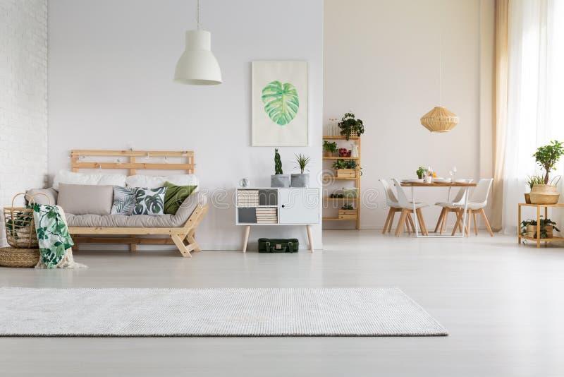 设计好的家庭空间 免版税库存照片