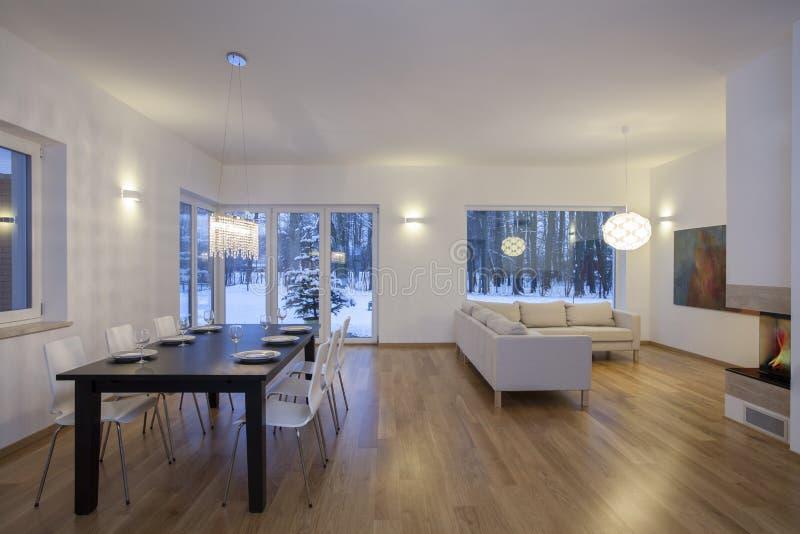 设计师内部-明亮的室 库存照片