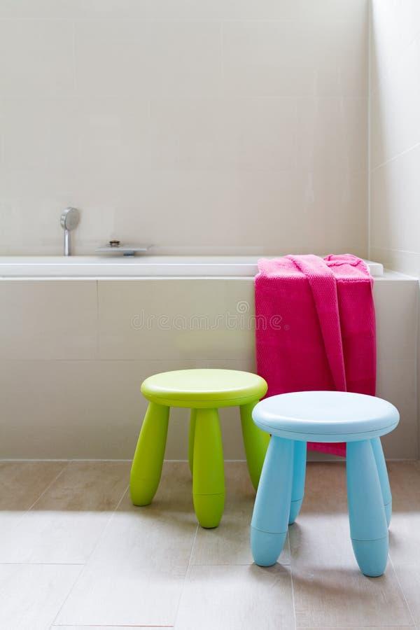 设计师家庭与孩子装饰的卫生间整修 图库摄影