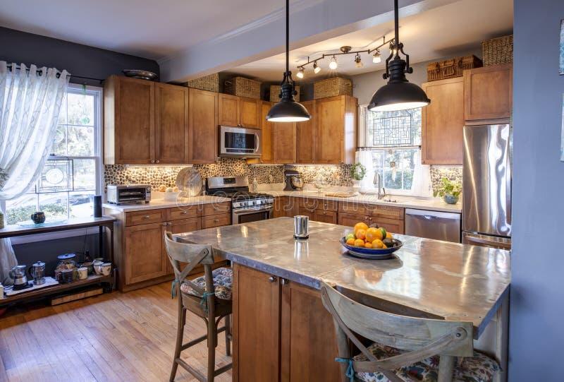设计师折衷样式厨房 免版税库存照片
