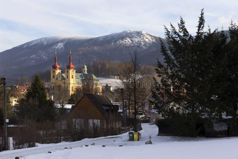 访问圣母玛丽亚的巴洛克式的大教堂在冬天,朝圣,海尼采,捷克地方  库存图片