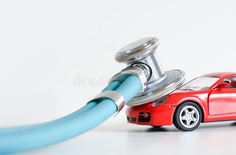 诊断和汽车修理、听诊器、检查、修理和维护 免版税库存照片