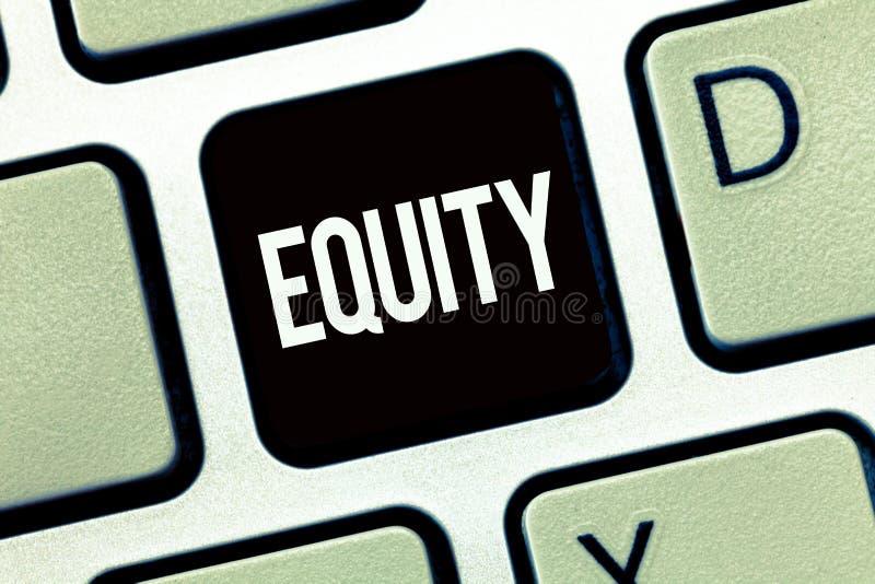 词文字文本产权 质量的企业概念是公平和公平的种族释放一手团结 免版税图库摄影