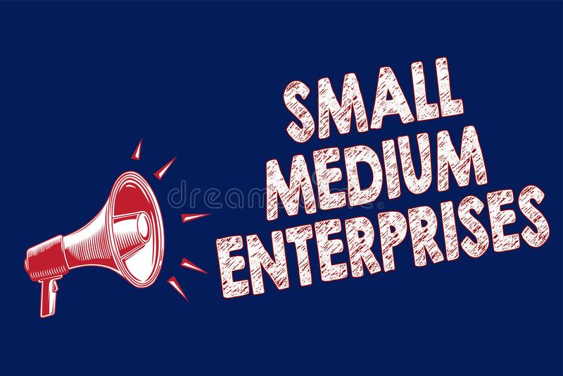 词文字文本小中等企业 公司的企业概念与少于一千台工作者扩音机扩音器b 向量例证