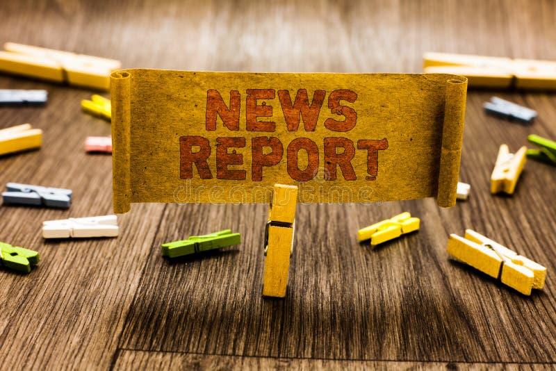词文字文本新闻报告 一个观察了晒衣夹holdin事的讲话的或书写的企业概念 库存照片