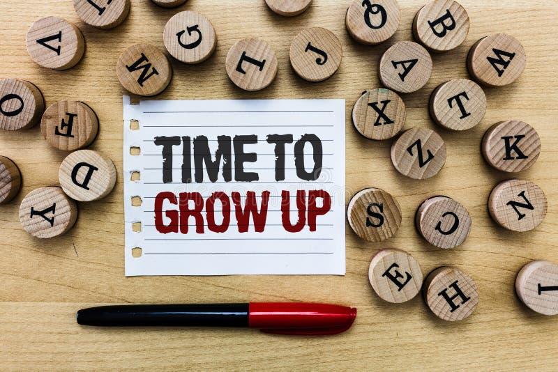 词文字文本时间长大 知道的企业概念您是成熟人有责任 免版税库存照片