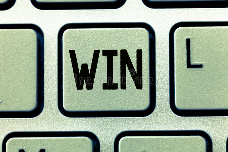 词文字文本胜利 企业概念为是卓有成效的,并且战胜设法成功由努力获得某事 库存照片