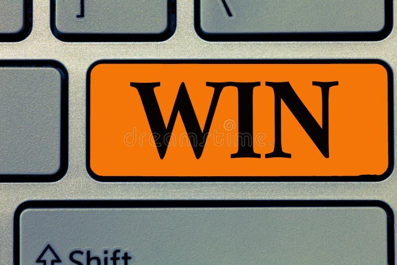 词文字文本胜利 企业概念为是卓有成效的,并且战胜设法成功由努力获得某事 免版税图库摄影