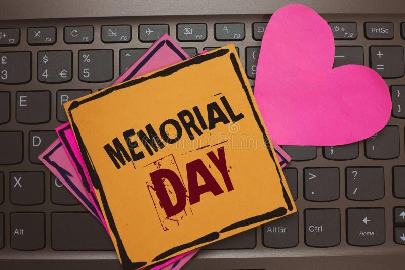 词文字文本阵亡将士纪念日 对荣誉和记住的在兵役文件浪漫l死的那些人企业概念 库存照片