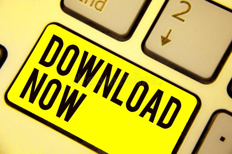 词文字现在文本下载 为复制或搬入节目或信息的企业概念另一设备键盘黄色k 向量例证