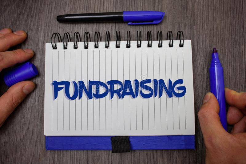 词筹款文字的文本 寻找的企业概念财政支持慈善原因或企业人举行藏品 免版税库存图片