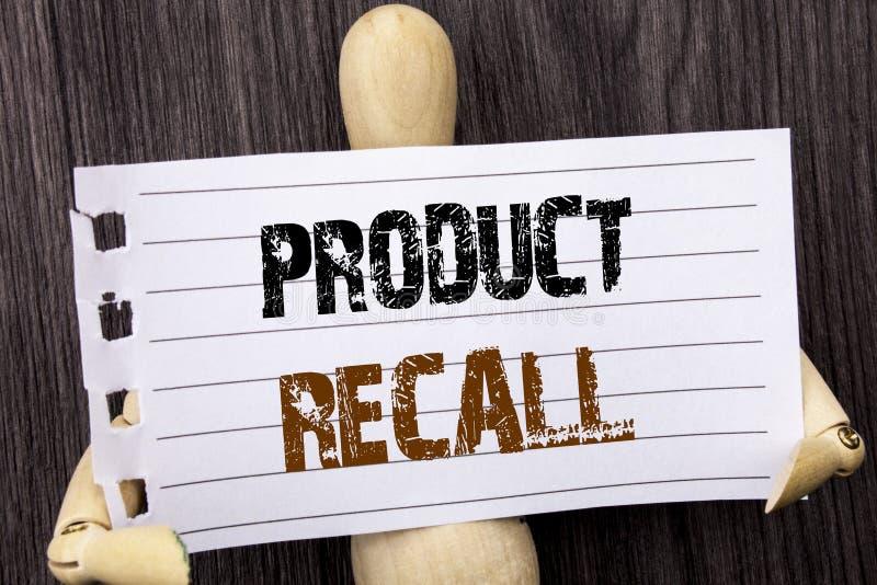 词,文字,文本产品取消 在被撕毁的票据持有写的产品缺陷的概念性照片回忆退款回归由s 图库摄影