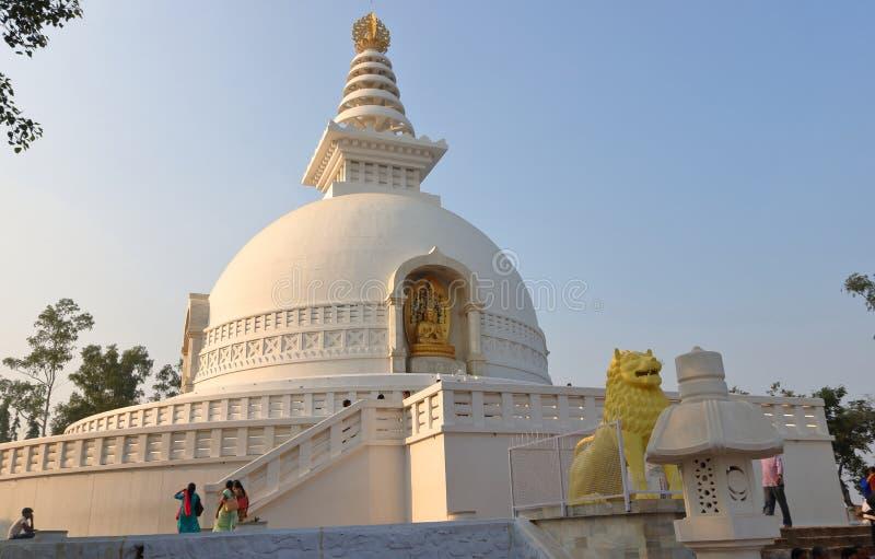词shanti Stupa,rajgir,比哈尔省,印度 免版税图库摄影