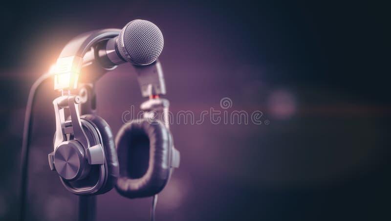 话筒和耳机 音频,音乐,多媒体背景 皇族释放例证