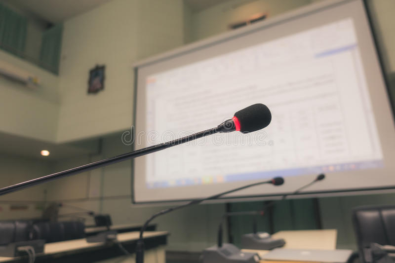 黑话筒在会议室(被过滤的图象被处理的v 库存图片