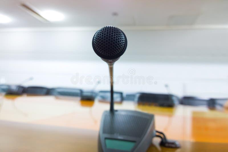 话筒在会议室 图库摄影