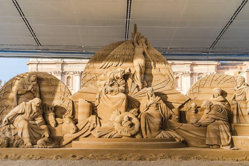 诞生场面在圣Piter的广场在梵蒂冈,意大利 免版税图库摄影