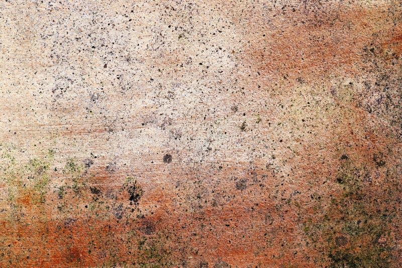 详述紧密破裂和被风化的混凝土墙表面在高分辨率的 免版税库存图片