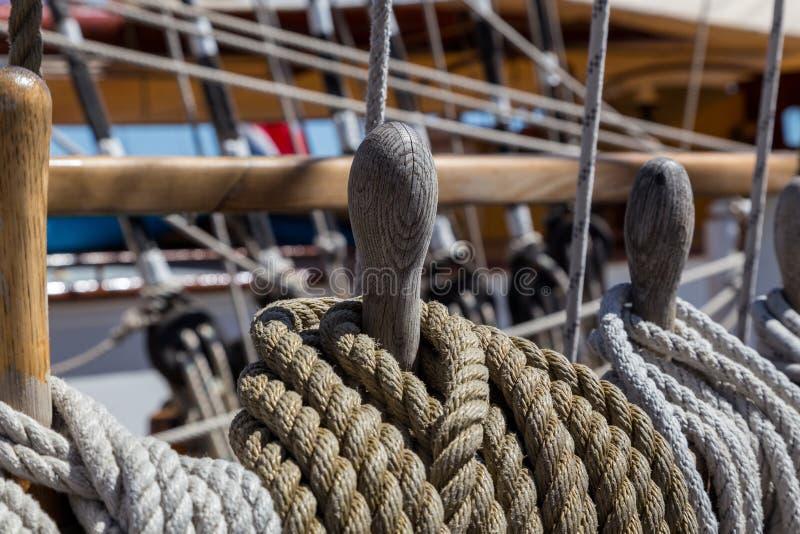 详述船的设备在甲板的 库存图片