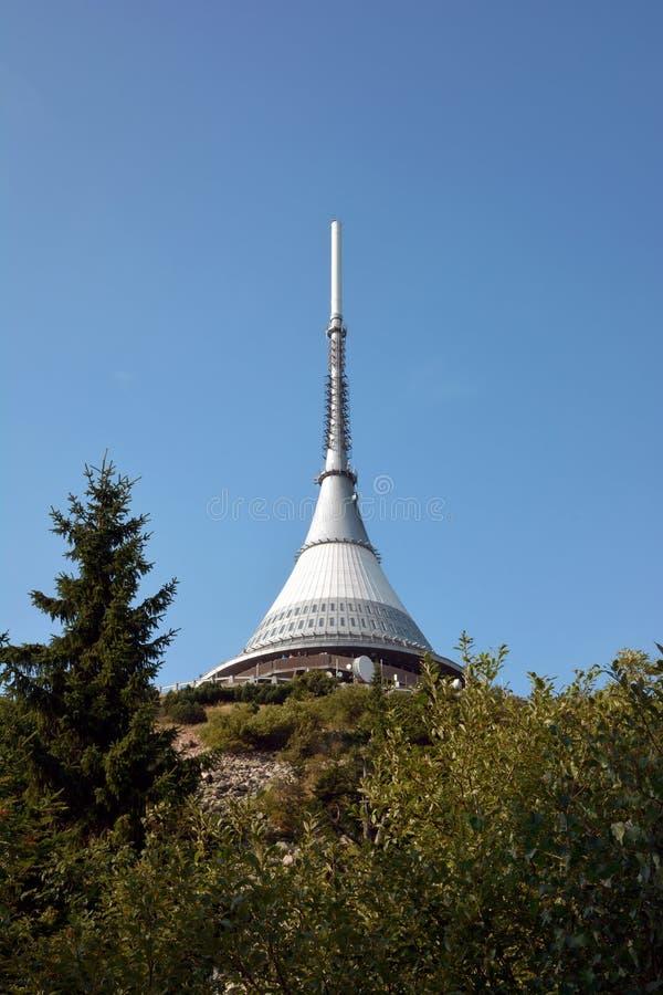 说笑话的监视塔和telecomunications发射机 库存照片