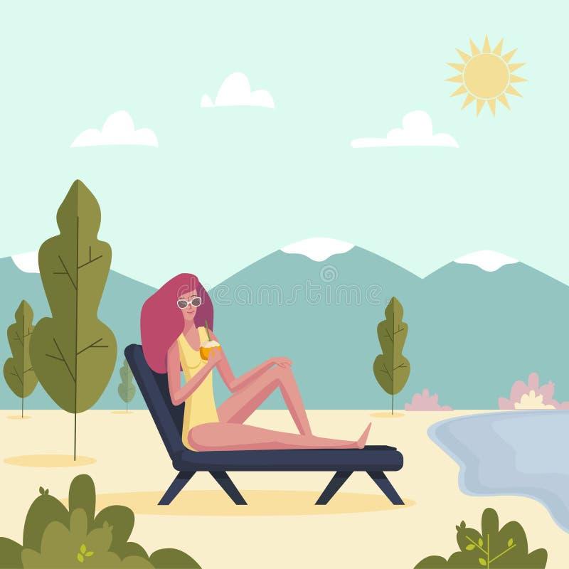 说谎在与鸡尾酒的deckchair的年轻女人 享用在sunlounger的女孩 在暑假海滩的传染媒介例证 向量例证