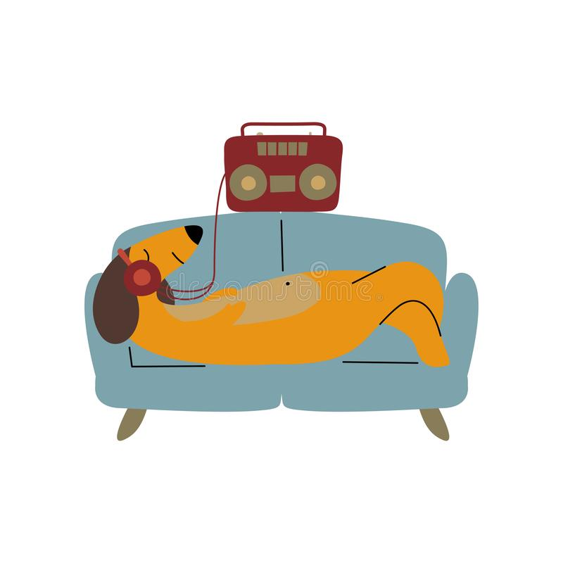 说谎在沙发和听的音乐与耳机,滑稽的嬉戏的宠物动画片的纯血统布朗达克斯猎犬狗 向量例证