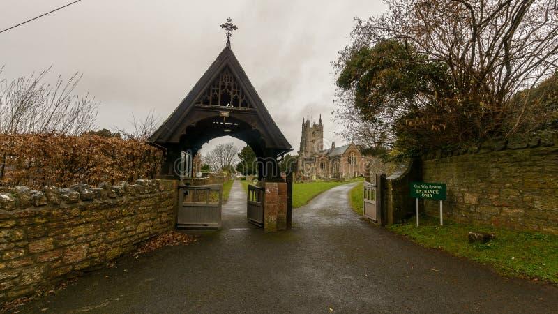 诸圣日教会Lychgate东部门面入口,宗教Archi 库存图片