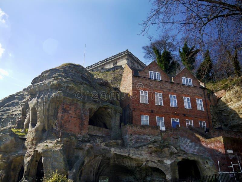 诺丁汉城堡和砂岩洞 库存图片