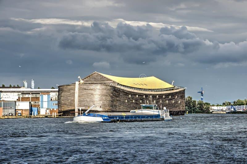 诺亚` s平底船和内地驳船 库存图片