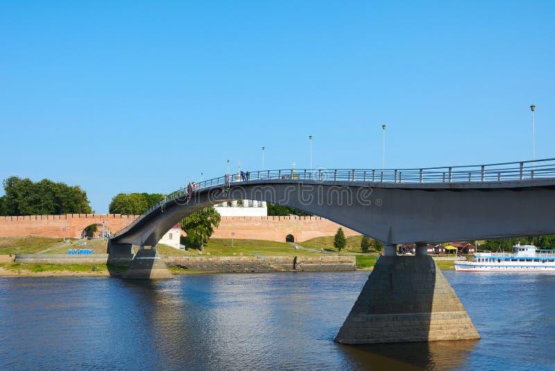 诺夫哥罗德伟大,一座步行桥 库存照片