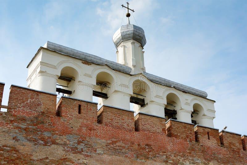 诺夫哥罗德伟大,圣索菲娅大教堂钟楼  免版税库存图片