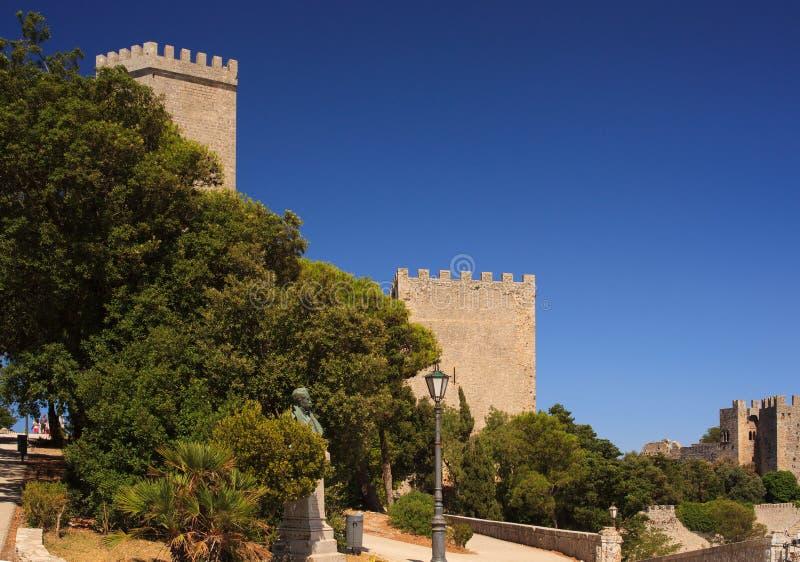 诺曼底城堡告诉了Torri del Balio,埃里切 免版税库存图片