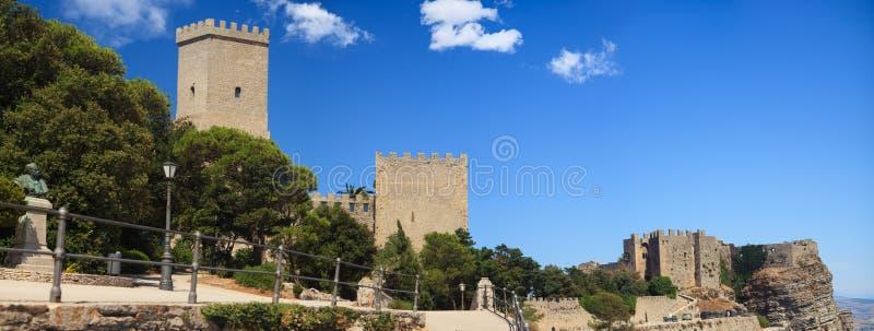 诺曼底城堡和Venere城堡,埃里切 免版税库存图片