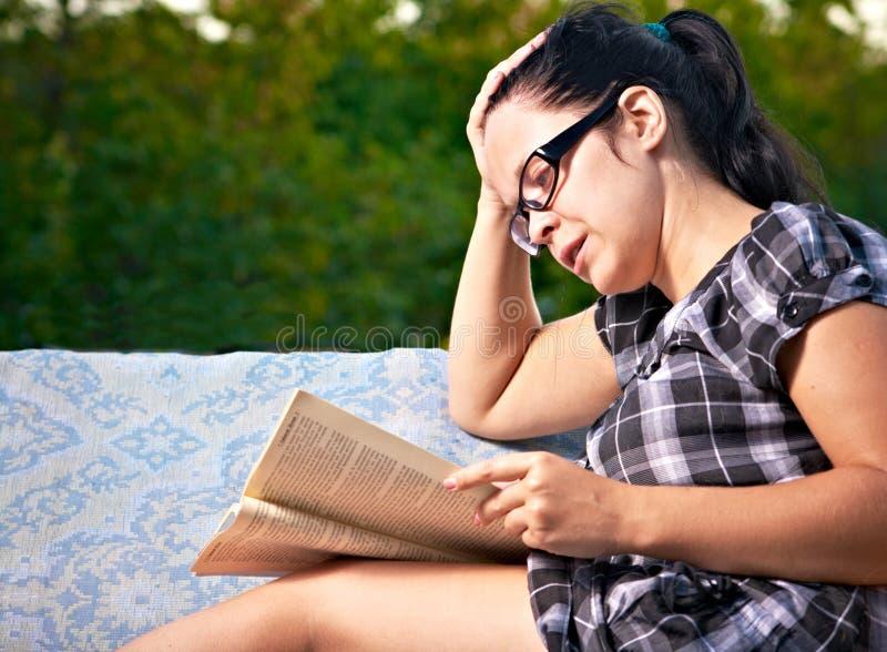 读取妇女 库存照片