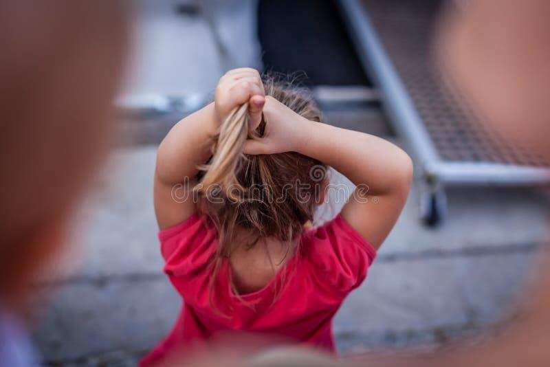 调整头发 免版税库存图片